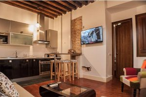 toledoap3 300x200 - Apartamento con patio by Toledo Ap - 4 pax - Toledo Ap Alojamientos turísticos