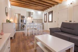 apartamento virgen de gracia 300x200 - Apartamento Virgen de Gracia - Toledo Ap Alojamientos turísticos