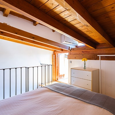 duplex 1 1 - DÚPLEX ABUHARDILLADO JUNTO A LA CATEDRAL - Toledo Ap Alojamientos turísticos