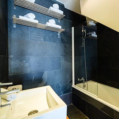 duplex 2 1 - DÚPLEX ABUHARDILLADO JUNTO A LA CATEDRAL - Toledo Ap Alojamientos turísticos