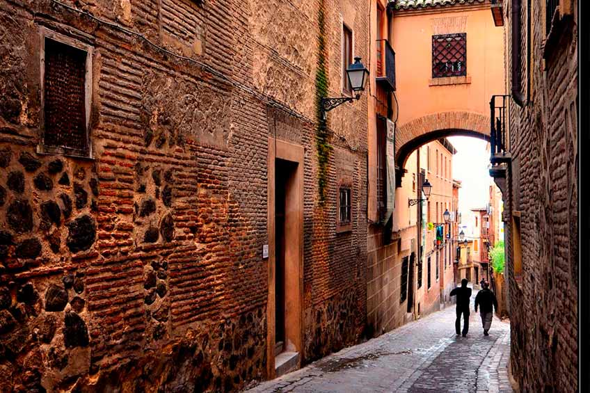 calles de toledo - Cómo viajar a Toledo - Toledo Ap Alojamientos turísticos